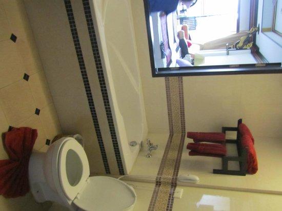 Aonang Ayodhaya Beach Resort : В ванной