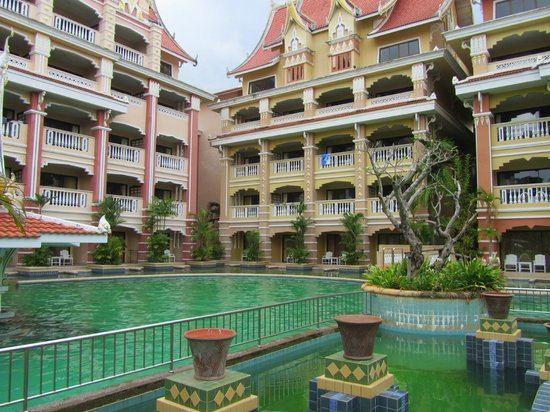 Aonang Ayodhaya Beach Resort: Территория отеля