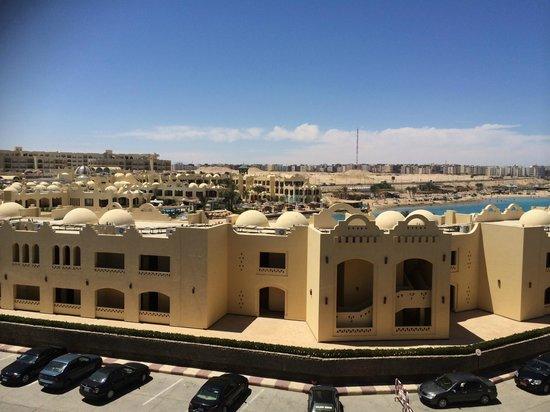Sunny Days El Palacio Resort & Spa: Вид с балкона стандартного номера, 3й этаж