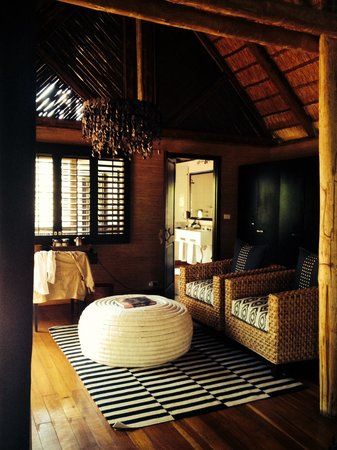Savute Safari Lodge: La partie salon