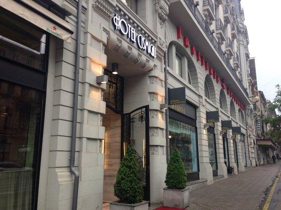Hotel Cismigiu: Entrance to hotel