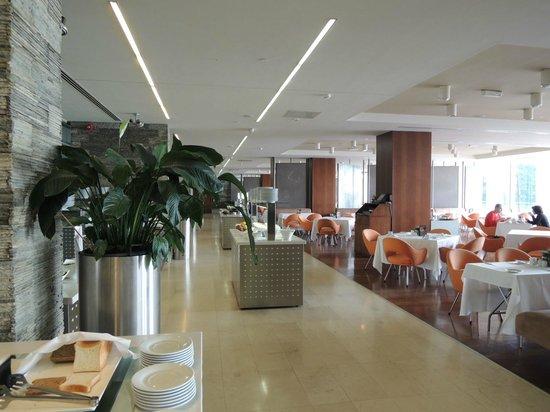 Rixos Hotel Libertas: 明るい朝食会場です