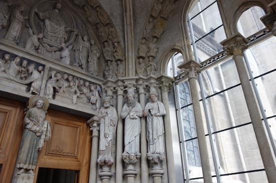 Kathedrale Notre-Dame: door
