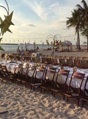 The St. Regis Punta Mita Resort: Friday night BBQ on the beach!