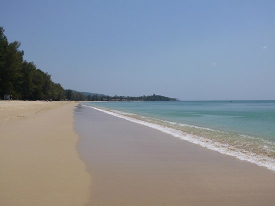 Layana Resort and Spa : The heavenly beach stretching a long way in both directions.