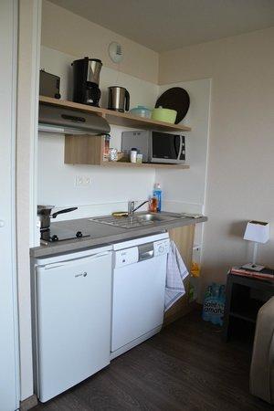 Residence Detente mmv Mont Saint-Michel Le Domaine du Mont: cuisine dans séjour