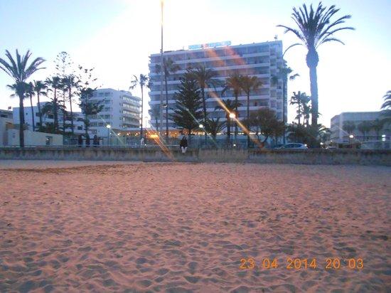 SENTIDO Playa del Moro: beach