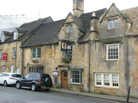 Red Lion Inn: View of the front
