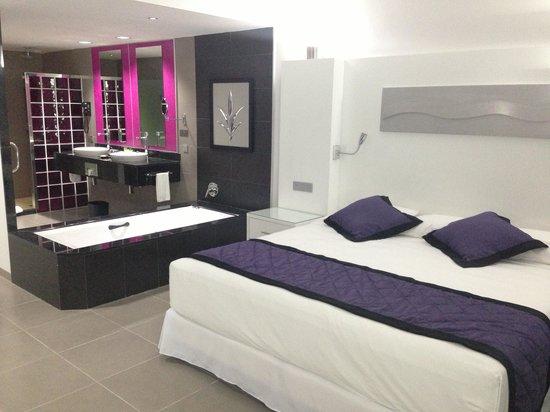 Hotel Riu Palace Jamaica: My very comfortable room