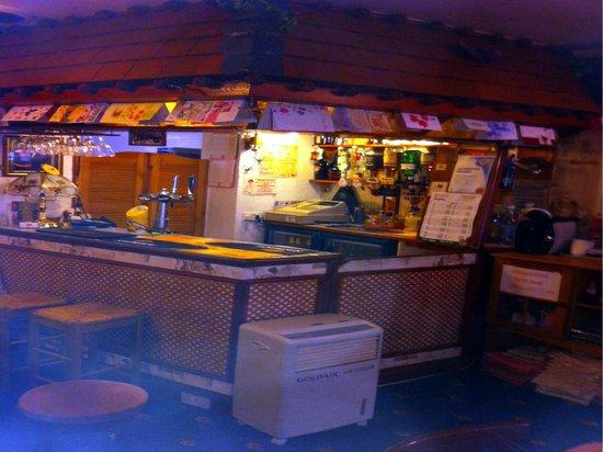 Willow Grove Hotel: bar