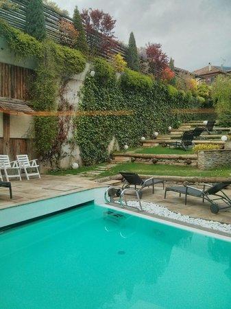 AlpHoliday Dolomiti Wellness & Fun Hotel: Piscinetta esterna riscaldata