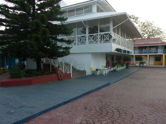 Hotel Blue Cove: el frente