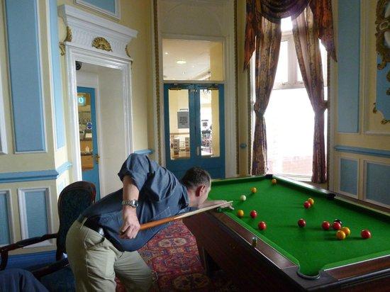 Grand Metropole Hotel: Pool Table Area