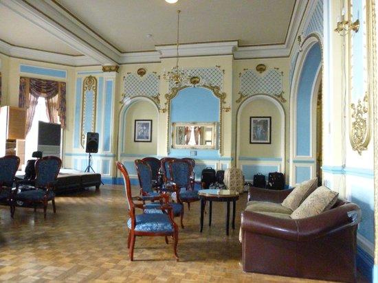 Grand Metropole Hotel: Lovely Decor