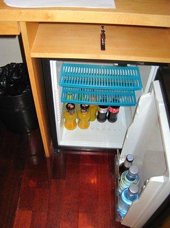 Hotel Preciados: Free Mini-Bar