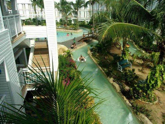 Hotel Blue Cove: el rio lento