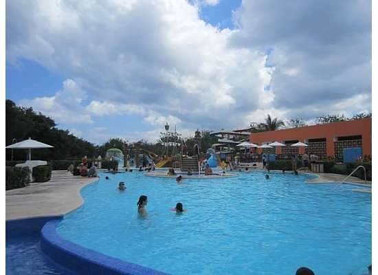 Playa Mia Grand Beach & Water Park: Pool area