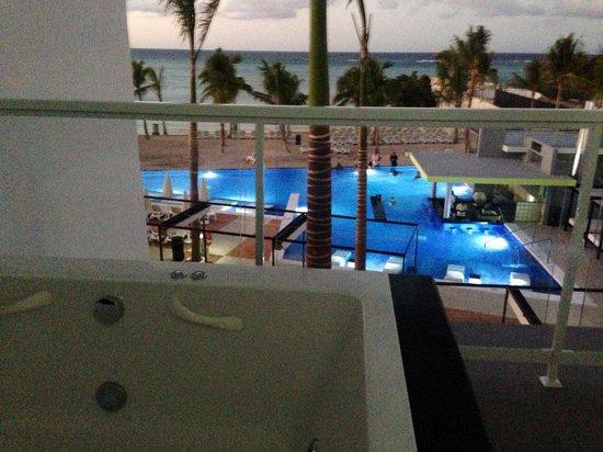 Hotel Riu Palace Jamaica : Balcony with the jacuzzi