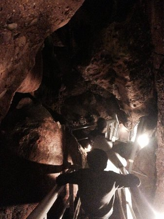 Las Cuevas del Salitre: Bajando al infierno