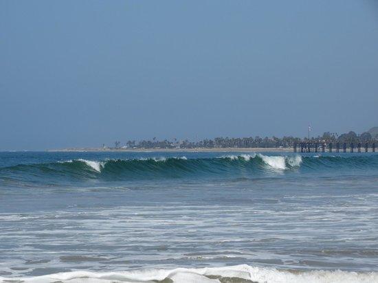 Ventura Beach Marriott: Break at the beach 2 blocks away
