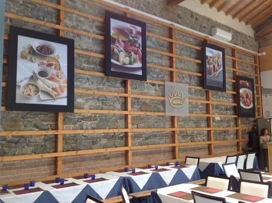 Langhirano, Italy: il locale degustazione