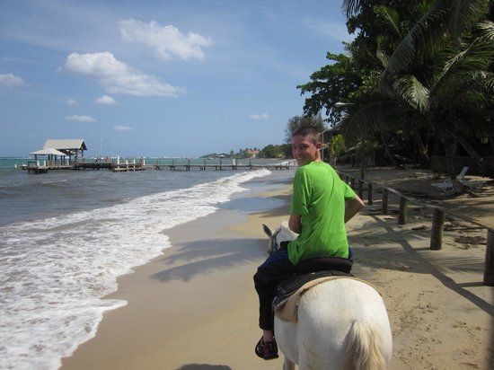 El Rancho Barrio Dorcas: Great beach ride