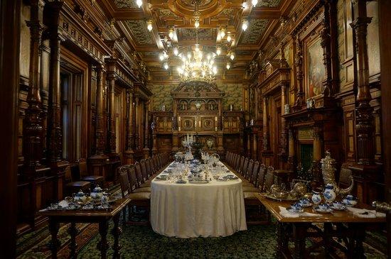 Castillo Peleş: Dining room