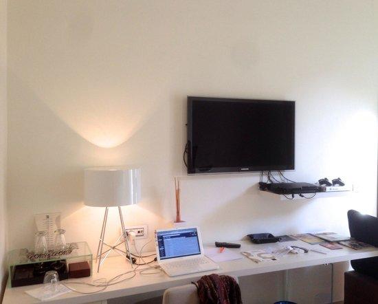 TownHouse Cavour : La scrivania