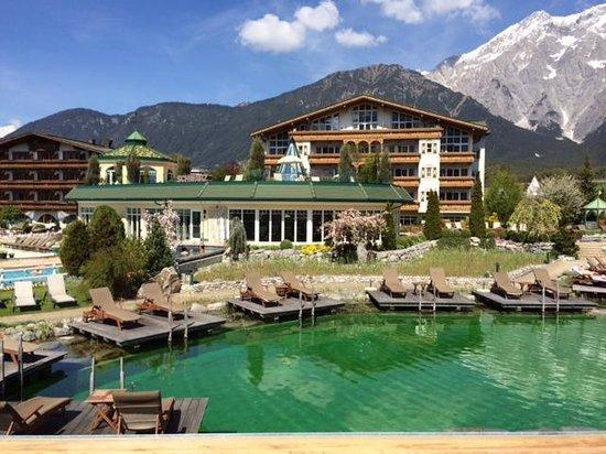 Alpenresort Schwarz : laghetto