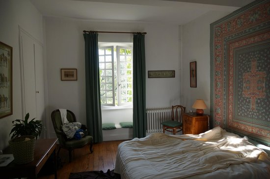 Domaine de Jean-Pierre : Our bedroom overlooking the garden.