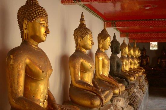 Wat Pho (Templo de Buda reclinado): Территория храма