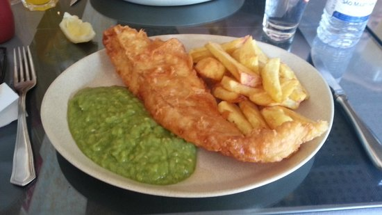 The Cockerel Country Kitchen : Fish and chips
