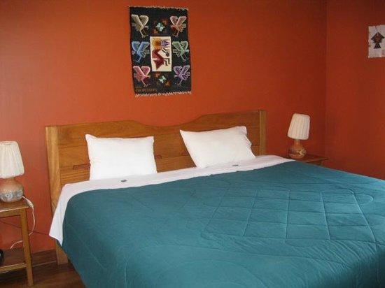 Pakaritampu Hotel: Typical bedroom