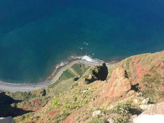 Cabo Girao look down