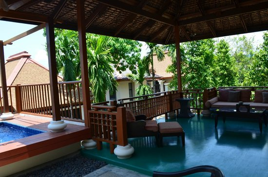 The Briza Beach Resort Samui: our pool and courtyard
