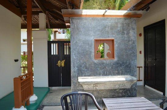 The Briza Beach Resort Samui: courtyard