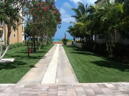 Beaches Turks & Caicos Resort Villages & Spa : Walk to the beach from our Villa