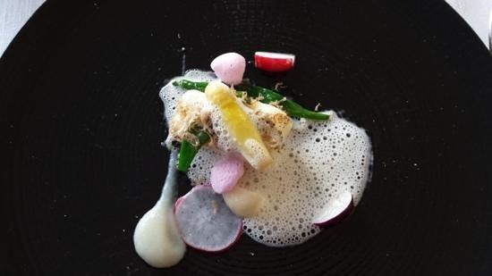Villa la Ruche : Griet met asperge, champagne, topinamboer en truffel