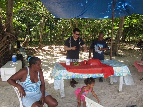 La Playita Beach: little beach-side restaurant