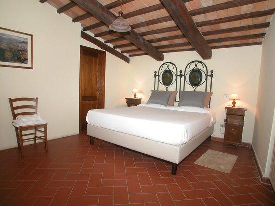Serre di Parrano Country House : Camera con letto Kingsize