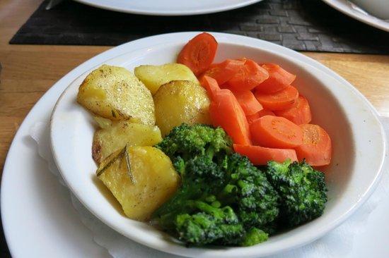 Il Grappolo: Aufgewärmtes Gemüse, schwitzende Kartoffel+zerkochter Brokkoli