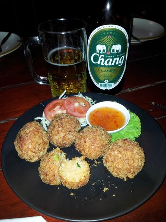Phanom Bencha Mountain Resort: boulettes, miam