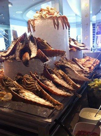 Movenpick Hotel Bahrain: fresh seafood