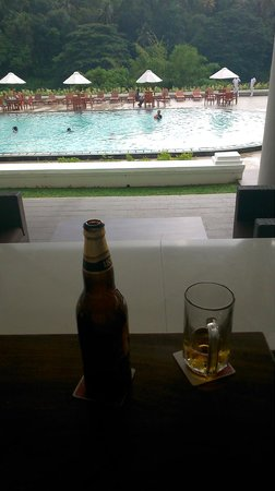 Cinnamon Citadel Kandy: A nice spot for a beer....................