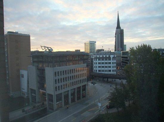 Steigenberger Hotel Hamburg: 部屋からの眺め