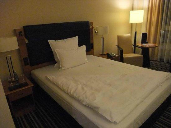 Steigenberger Hotel Hamburg: ベッド