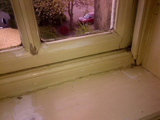 Macdonald Houstoun House: Window Frame