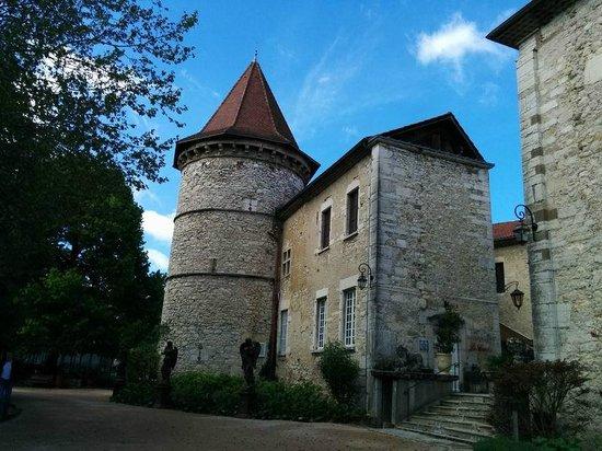 Chateau Chapeau Cornu : edificio ristorante