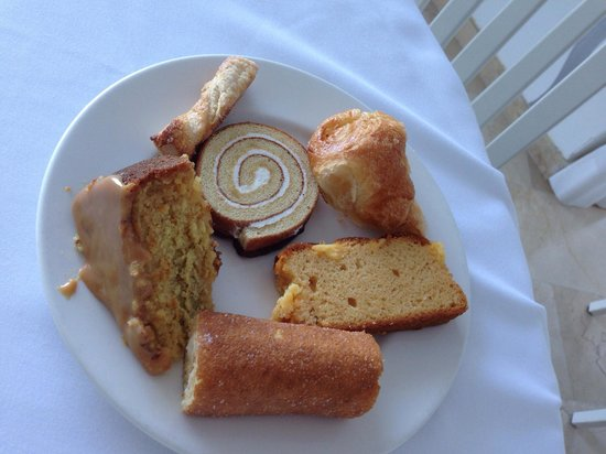 SENTIDO Punta del Mar: Breakfast cakes...)))
