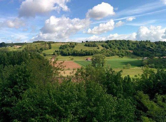 Chateau Chapeau Cornu : panorama sulle colline